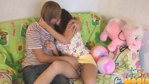 Teen uses a vib greater than her clit in the long run b for a long time pounded